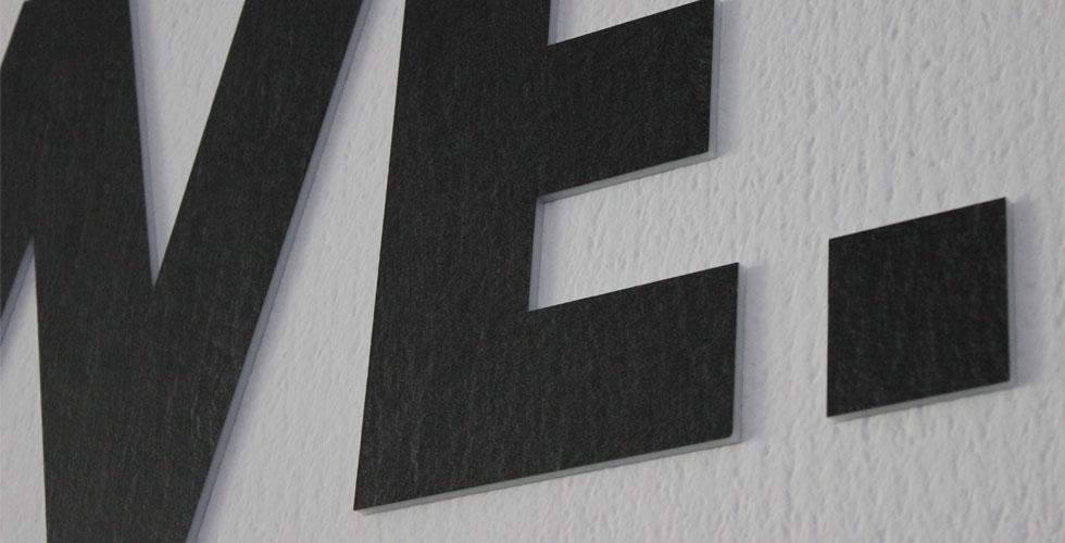 profilbuchstaben und fassadenbeschriftung referenzen baist gmbh. Black Bedroom Furniture Sets. Home Design Ideas